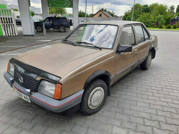 Opel Ascona 1.6 бензин