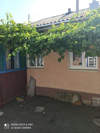 Дом в Александровке Золочевского района.