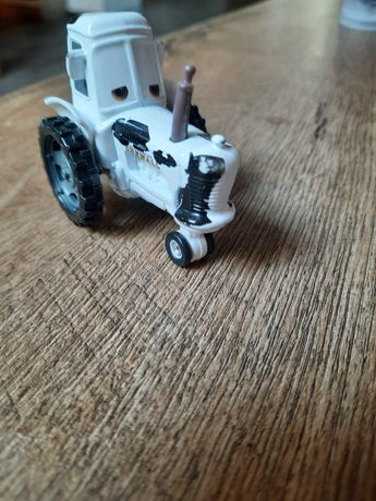 Traktor krowa Auta