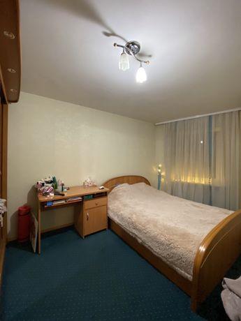 Окрема Кімната, Васильківська