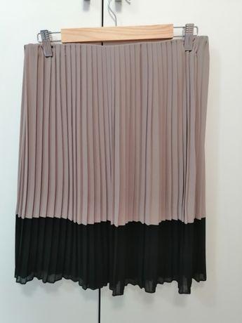 plisowana spódnica firmy BonPrix z serii Body Flirt w rozmiarze 42/44