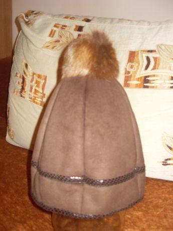 Жіноча зимова шапка