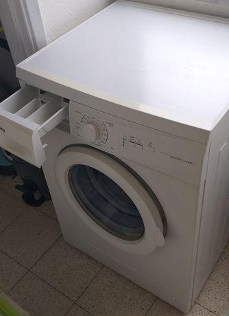 Máquina de lavar roupa. Balay