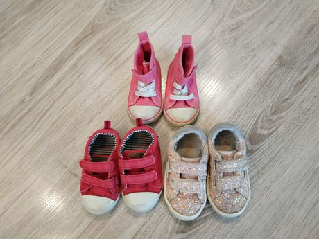 Кеди , кросівки.