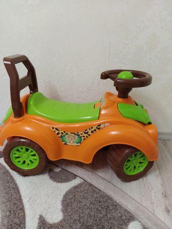Машинка для дитини