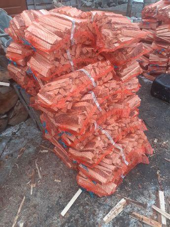 Drewno rozpałkowe do wędzenia kominka na ognisko