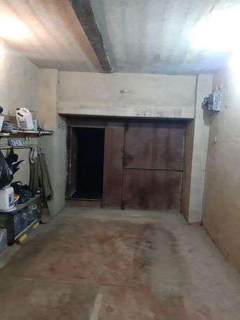 продам гараж с большим  погребом