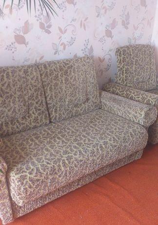 Набір диван і два крісла