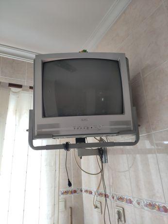 Vendo televisão Samsung com suporte