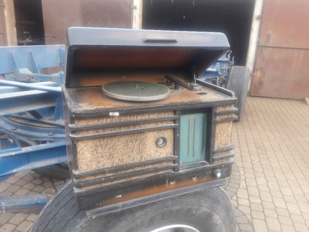 Gramofon rosyjski CCCP antyk retro atrapa ekspozycja wystrój kolekcja