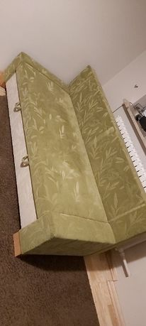 Łóżko, kanapa w dobrym stanie 1,6m na 2m