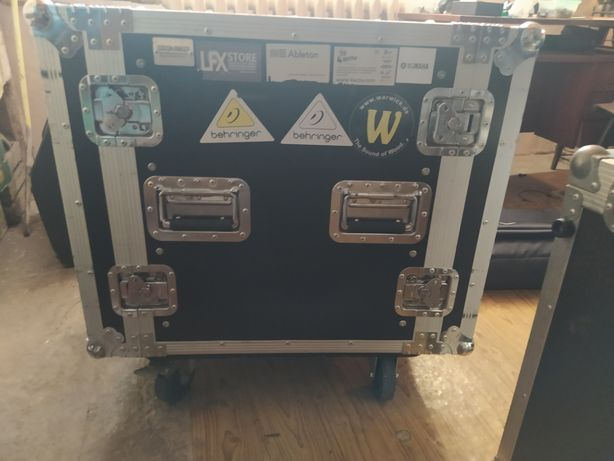 Case 11U (skrzynia, rack)