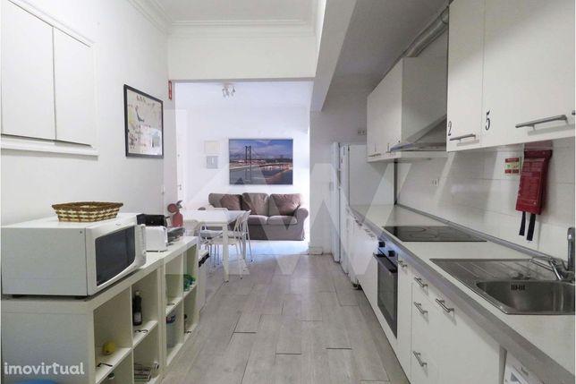 Apartamento de 202 m2 para venda na rua José Estevão na zona da Estefâ