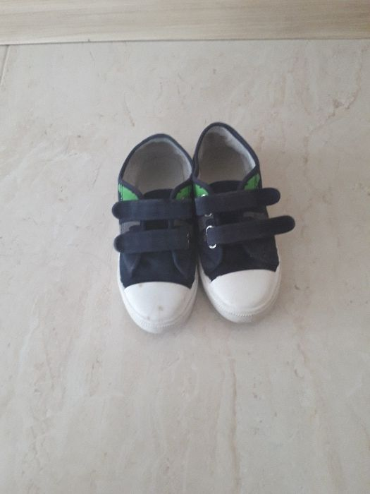 Trampki kapcie buty domowe szkole