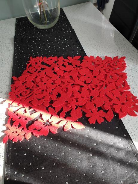Dwie czerwone podkładki na stół Ambition 45x30cm