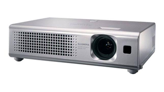 Projector de Video Hitachi só 195€