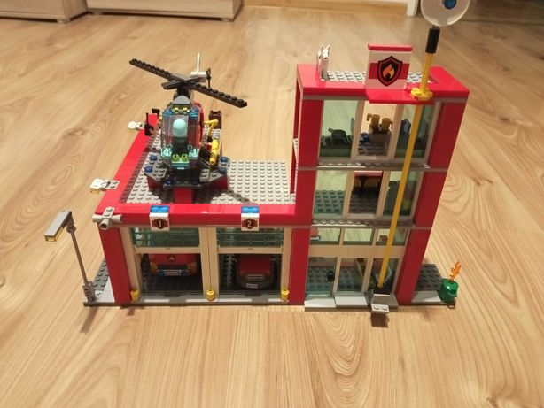 Klocki LEGO Remiza strażacka 60004