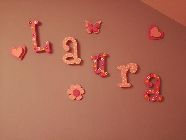 Litery na ścianę -Laura + gratis dekoracje ścienne