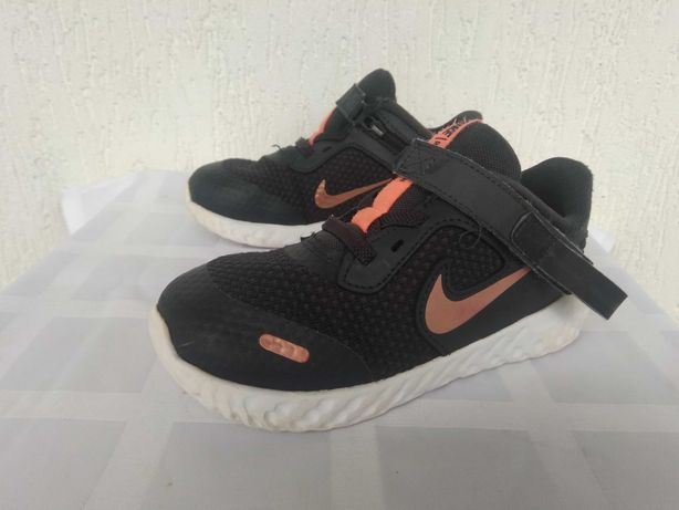 Кроссовки Nike Revolution р.27