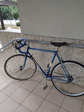 Продам французский шоссейный велосипед фирмы l'hirondelle