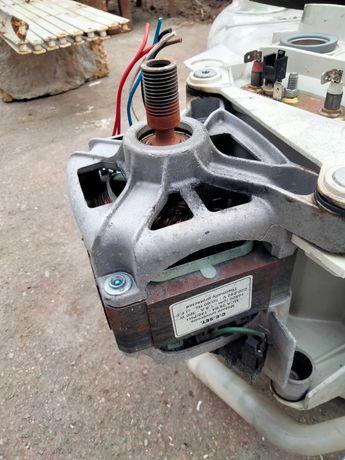 Двигатель со стиральной машины indesit