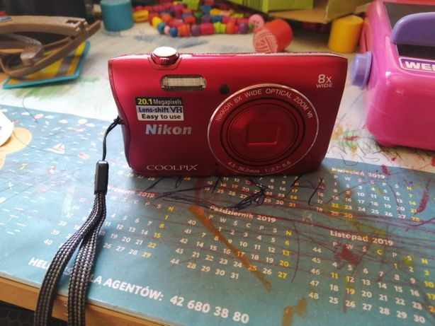Aparat kompaktowy Nikon Coolpix A300 16 gb etui