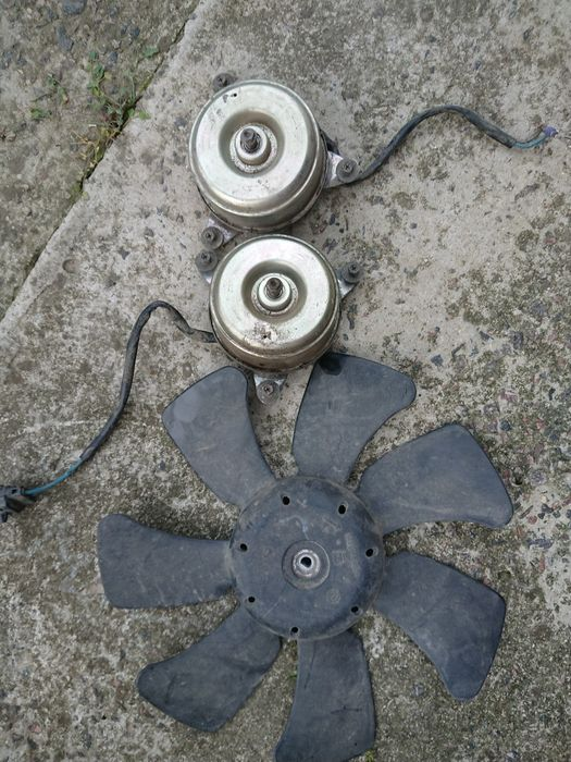 Мотор вентилятора радиатора Subaru Forester Рени - изображение 1