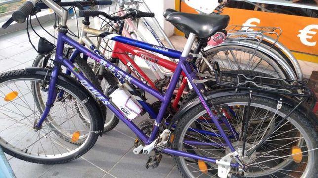 Bicicletas de vários modelos