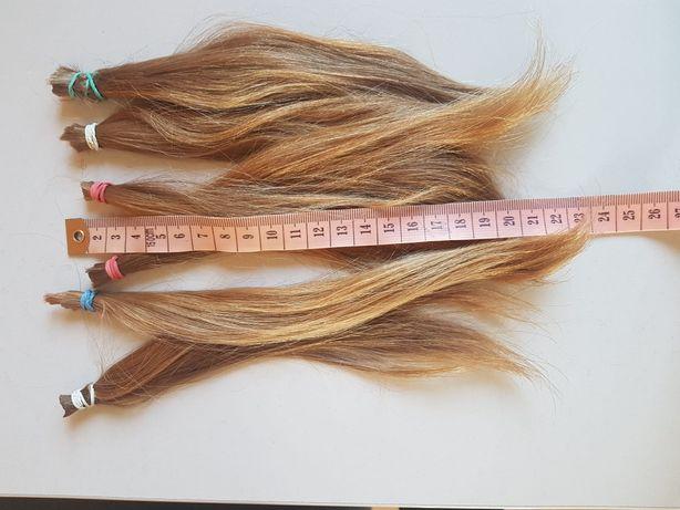 Włosy naturalne dziewczęce