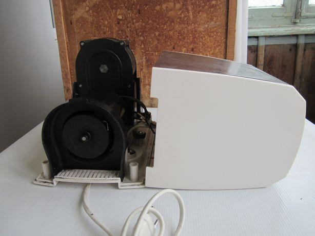Мясорубка Binatone MGR-3030 на запчасти