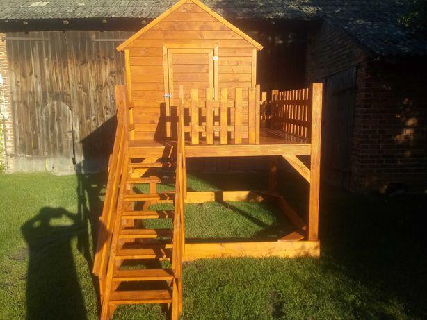 Drewniany domek dla dzieći
