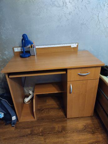 Sprzedam biurko wraz z fotelem