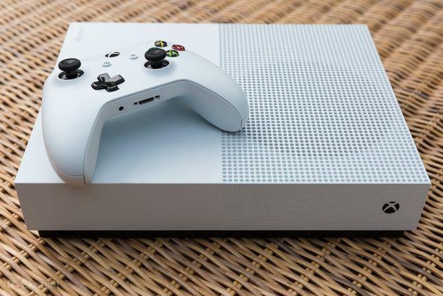 Xbox one S dois comandos