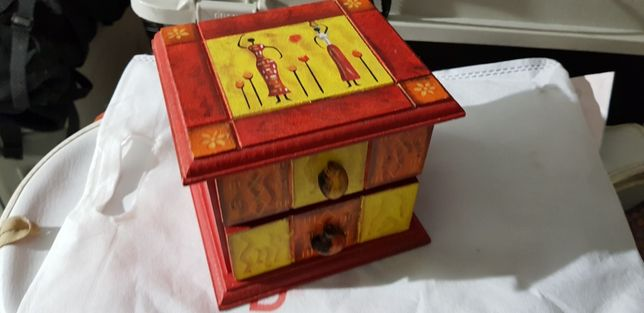 Caixa decorativa Gavetas