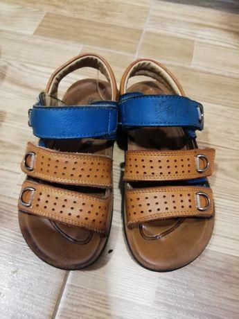 Кожаные сандалии на мальчика
