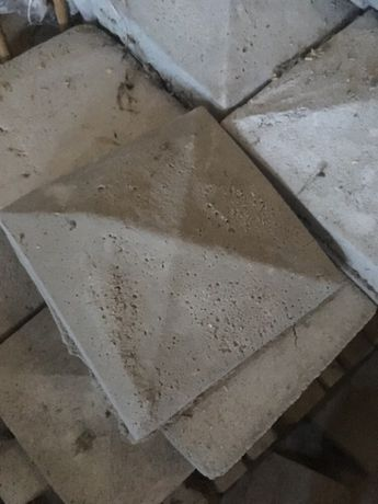 Daszki betonowe do słupków