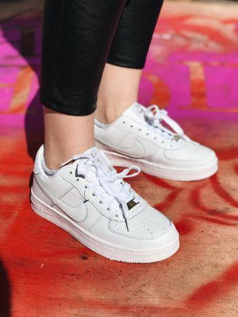 Кроссовки белые Nike Air Force High Найк Аир Форс белые черные низкие