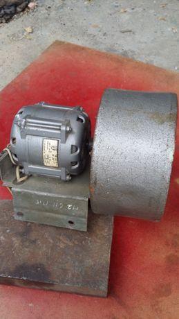 эл.вентилятор с эл.двигателем КД50У4.220В.2750 об/мин