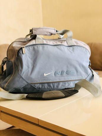 Сумка для спорта сумка дорожня Nike оригинал