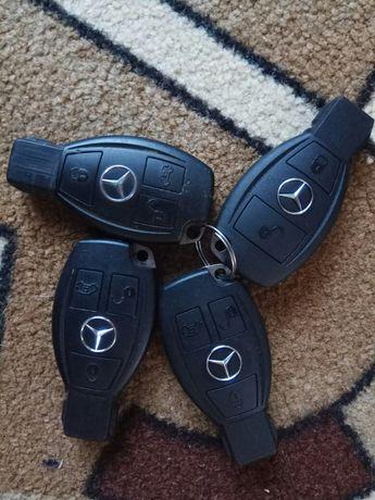 Ключ рибка Mercedes оригінал