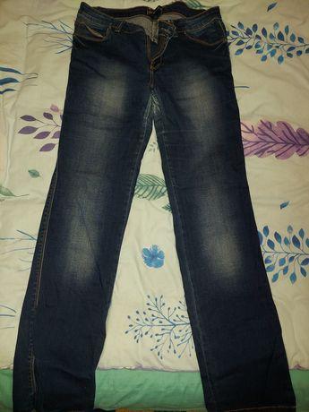 Отдам джинсы и брюки