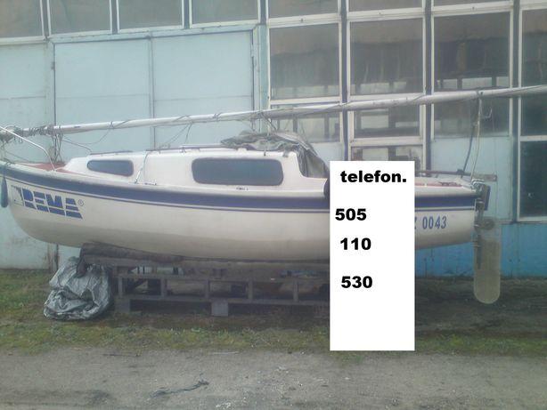 jachty żaglowe kabinowe