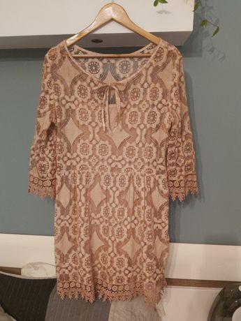 Sukienka koronkowa z podszewka