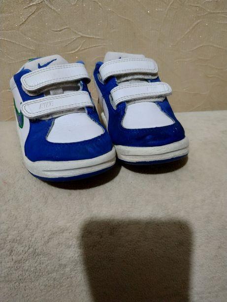 Кросівки Nike. Розмір 22.5.