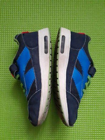 Кросівки яскраві Lico