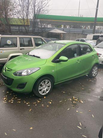 Продам Мазду 2, Mazda 2, 2013г