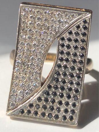 Золотое кольцо с бриллиантами черными и белыми