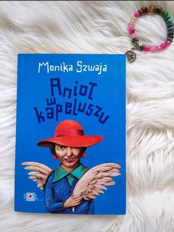 Anioł w kapeluszu M. Szwaja