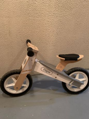 Drewniany rowerek biegowy Natural Hape