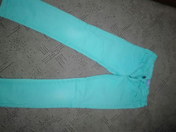 Spodnie z zamkiem i guzikiem